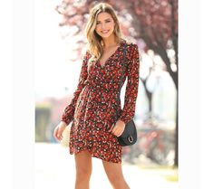 Women's dress with V lneckline and wrap-around skirt and floral print Cute Dresses, Dresses With Sleeves, Wrap Around Skirt, Wrap Dress, Fashion Dresses, Floral Prints, Outfits, Long Sleeve, Casual