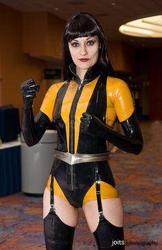 Annissë as Silk Spectre II, Watchmen cosplay.