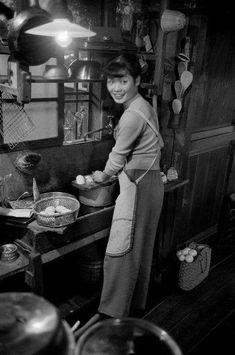 20 year old Michiko Jinuma, a fashion student. Tokyo, Japan, via magnum photos. Japanese History, Asian History, Japanese Culture, Showa Period, Showa Era, War Photography, Street Photography, Vintage Japanese, Japanese Art