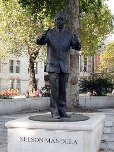 Nelson Mandela by Ian Walters, 2007, Parliament Square, London
