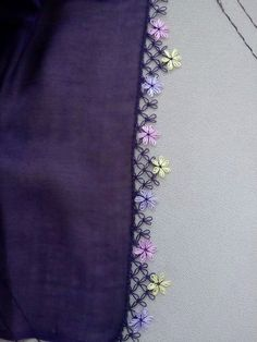 This Pin was discovered by Lal Embroidery Flowers Pattern, Flower Patterns, Embroidery Stitches, Hand Embroidery, Crochet Trim, Crochet Motif, Crochet Lace, Crochet Edgings, Mother Daughter Matching Outfits