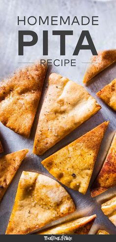 Next time you make your dips for a party, you might as well make the pita chips… Pita Recipes, Side Dish Recipes, Vegetarian Recipes, Snack Recipes, Cooking Recipes, Picnic Recipes, Bread Recipes, Healthy Recipes, Healthy Snacks To Make