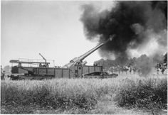 MINISTRY INFORMATION FIRST WORLD WAR OFFICIAL COLLECTION (Q 1370)   12 inch gun in action, Meaulte, August 1916.WW I