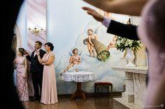 bela pintura na igreja e uma composição fotográfica