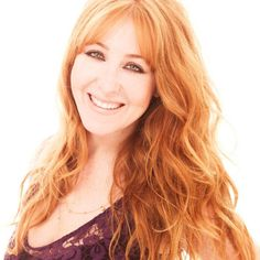 Charlotte Tilbury hair color Red Hair With Bangs, Red Hair With Blonde Highlights, Beachy Waves, Charlotte Tilbury, Hairstyles With Bangs, Healthy Hair, Redheads, Hair Makeup, Curly
