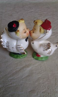 vintage salt and pepper shakers cake topper