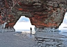 23 Secret Places In Ontario To Bring Your Girlfriend This Winter - Narcity # Ways To Travel, Places To Travel, Places To See, Travel Ideas, Lac Huron, Canadian Travel, Canadian Rockies, Ontario Travel, Hiking Spots