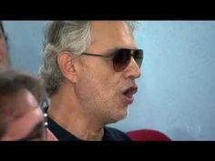 O tenor italiano Andrea Bocelli visitou o Presidio Adriano Marrey, em Guarulhos, na tarde deste domingo, 16/10/2016, e conheceu de perto o projeto cultural q...