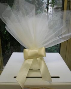 Μοναδική μπομπονιέρα γάμου σε τούλι με δέσιμο σανέλ φιόγκο Favors, Home Decor, Presents, Decoration Home, Room Decor, Guest Gifts, Home Interior Design, Gifts, Home Decoration