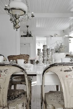 Swedish Shabby Dining Room