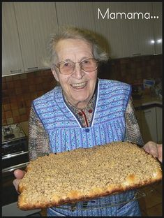 Streusel de Mamama ... 85 ans d'expérience ! Qui dit mieux ? - Les recettes de l'Alsacienne Healthy Dinner Recipes, Dessert Recipes, Healthy Breakfast For Kids, Health Dinner, Pan Dulce, Other Recipes, Biscuits, Brunch, Food And Drink