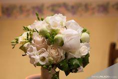 Suaves tonos rosas para este delicado ramo de novia