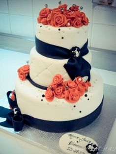 Coral and navy wedding cake