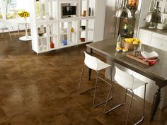 Design Distinctions tile adds a cozy, traditional touch to your modern space. Karndean Design Flooring, Slate Flooring, Carpet Flooring, Slate Floor Kitchen, Kitchen Flooring, Kitchen Arrangement, Beautiful Kitchens, Dream Kitchens, Luxury Vinyl Tile
