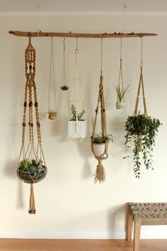 Hydroponic Gardening Ideas Hanging plants - Macrame is about knots in several patterns. Macrame is a simple art form to acquire the hang of. One specific macrame finds an owl made from twine springs to mind. Make sure to knot your yarn on th… Indoor Garden, Indoor Plants, Air Plants, Cactus Plants, Indoor Plant Decor, Plant Wall Decor, Hanging Plant Wall, Porch Plants, Indoor Cactus