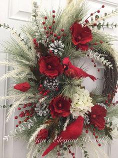 Rustic Christmas Wreath Ideas On A Budget; wreaths Rustic Christmas Wreath Ideas On A Budget Centerpiece Christmas, Xmas Decorations, Elegant Christmas, Rustic Christmas, Christmas Ideas, Christmas Holiday, Large Christmas Wreath, Christmas Island, Christmas Clothes