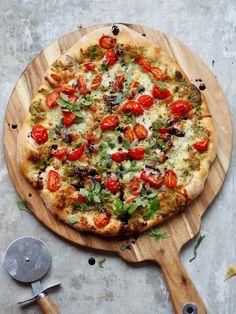 Caprese Pizza, Good Food, Yummy Food, Frisk, Mozzarella, Vegetable Pizza, Vegetables, Healthy, Pizza