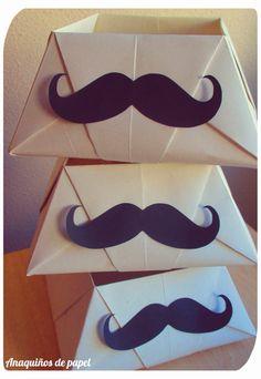 día del padre_cajas con bigote