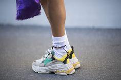 Needed: le sneakers Balenciaga Triple S viste street style