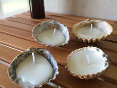 """Esenzials - """"Candle Collection"""" - Velas naturales de flor de tiaré en conchas de mar."""