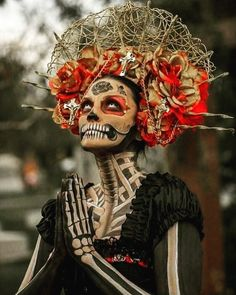 Day of the dead La Catrina Sugar Skull - Sugar Skulls - Halloween Mexico Day Of The Dead, Day Of The Dead Art, Dead Makeup, Fx Makeup, Makeup Ideas, Sugar Skull Makeup, Sugar Skull Art, Sugar Skulls, Sugar Skull Costume