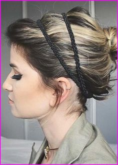 60 Creative Short Hair Updos, Have you ever struggled to learn some updos for short hair? With so many gorgeous updo ideas available online, the strong majority are for long hair. Short Hair Updo, Short Wedding Hair, Short Hair Cuts, Curly Hair Styles, Pixie Hairstyles, Pixie Haircut, Straight Hairstyles, Wedding Hairstyles, Pixie Cut Color