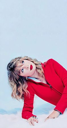 RED ,only suits her Taylor Swift Cute, Estilo Taylor Swift, Long Live Taylor Swift, Taylor Swift Pictures, Taylor Alison Swift, The Witcher 2, Taylor Swift Wallpaper, Katy Perry Wallpaper, Poker Face