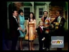 Loretta Lynn & friends - If I Could Hear My Mother Pray Again