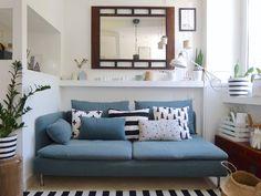 Appunti di casa: Arriva in Denim Drift {e la Minicasa è pronta!} Denim Drift Living Room, Color Of The Year 2017, Sofa, Couch, Color Trends, House Colors, Interior Design, Furniture, Palette