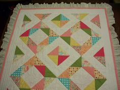 Baby quilt with sweet birds quilted in pink Bird Quilt, Baby Quilts, Birds, Blanket, Sweet, Pink, Ideas, Candy, Bird