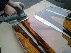 Fabriquez votre table en bois et résine. Woodworking Hand Tools, Woodworking Shop, Woodworking Projects Diy, Wood Projects, Fabrication Table, Painting Woodwork, Diy Bedroom Decor, Diy Home Decor, Wood Resin Table