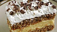 Zutaten Für den Teig: 80 g Zucker 100 g Nüsse, gemahlen 100 g Butterkekse oder Löffelbiskuits, zerbröselt 5 . Easy Cake Recipes, Sweet Recipes, Cookie Recipes, Dessert Recipes, Nut Recipes, Hungarian Desserts, Hungarian Recipes, Walnut Cake, Gateaux Cake