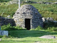 A Clochán is a dry-stone hut with a corbelled roof, dating from the early Middle Ages or earlier. Most archaeologists think these structures were built on the southwestern coast of Ireland since the Bronze Age. They are most commonly round beehive huts, but rectangular plans are known as well.