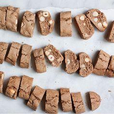 Cinnamon and Hazelnut Biscotti (Tozzetti Ebraici)