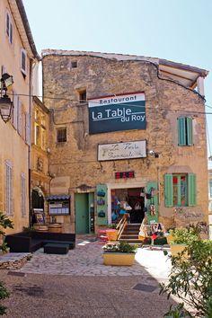 Clock tower salon de provence sal n francia y reloj - Restaurant salon de provence la table du roy ...