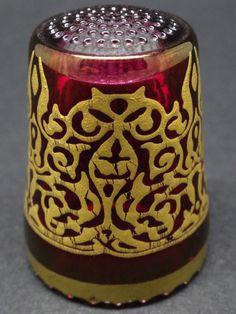 Ullmannglass. Cristal tallado pintado a mano. Alemania. Thimble-Dedal-Fingerhut.