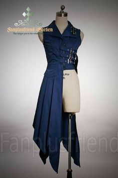 Steampunk coat, could be awesome to use for a Ciel Phantomhive cosplay. Steampunk version that is Steampunk Coat, Steampunk Costume, Steampunk Pirate, Steampunk Clothing, Look Fashion, Fashion Outfits, Fashion Design, Gothic Fashion, Modern Steampunk Fashion