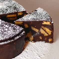 Another chocolate biscuit cake recipe. I need to try this method. The way I make it, I use butter, condensed milk, cocoa powder/Milo powder and Marie biscuits. Greek Desserts, Just Desserts, Greek Sweets, Vegan Chocolate, Chocolate Recipes, Food Cakes, Cupcake Cakes, Lazy Cake, Baking Recipes