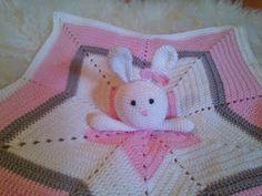 Janitan kätösistä: Vauvan uniriepu, tähti - ohje Knit Crochet, Crochet Hats, Baby Knitting Patterns, Baby Toys, Crochet Necklace, Weaving, Knitting Hats, Ganchillo, Loom Weaving