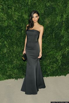 Emily Ratajkowski looks all sorts of gorgeous in Zac Posen