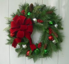 Holiday/ Christmas wreath, Winter door decoration, Traditional country christmas evergreen wreath, a Country Christmas, Christmas Home, Christmas Holidays, Christmas Crafts, Christmas Centerpieces, Christmas Decorations, Holiday Decor, Xmas Wreaths, Christmas Wonderland
