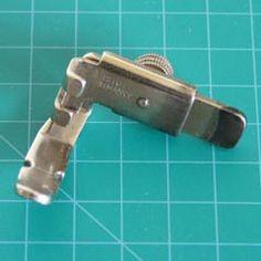 Adjustable Zipper Foot  121877