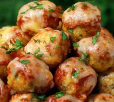 Buffalo Chicken meatballs recipe - Your favorite chicken Parmesan transformed into these popable Chicken Parmesan Meatballs. This recipes is ready in just 30 minutes. Meatball Recipes, Turkey Recipes, Chicken Recipes, Recipe Chicken, Pasta Recipes, Appetizer Recipes, Dinner Recipes, Appetizers, Chicken Parmesan Meatballs