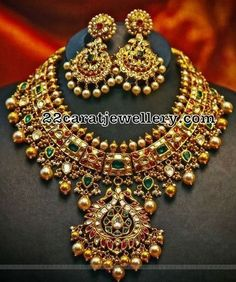Jewelry Set Kundan Necklace with Earrings - Jewellery Designs Indian Wedding Jewelry, Bridal Jewelry, Beaded Jewelry, Gold Jewelry, Quartz Jewelry, Diamond Jewelry, Gold Necklace, India Jewelry, Jewelry Sets