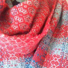 #ID2015 #irishdesign #irishsummer #handwoven #wool Irish Design, Duffy, Hand Weaving, Wool, Crochet, Instagram, Hand Knitting, Ganchillo, Crocheting