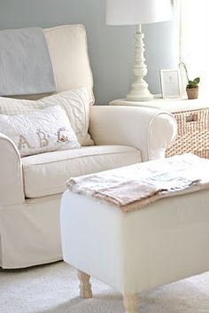 DIY Ottoman, this would be cute with the lumbar pillow embroidered with your monogram