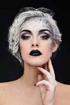 Makeup - Maquillage/ Make-up Range Sparkle Makeup, Glitter Makeup, Glitter Hair, Glitter Dress, Halloween Makeup Glitter, Snow Makeup, Glitter Eyebrows, Glitter Wine, Christmas Makeup