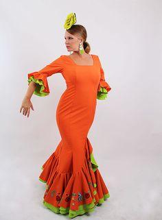 Trajes de Flamenca 2015 de color naranja con verde pistacho Oferta   modaflamenca  modaflamenca2015  trajesdeflamenca 643ba610e7a6