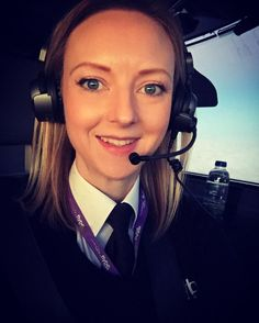 Good morning all! I hope you're all enjoying your Saturdays! I'm here doing what I love. And then spending the afternoon with my family. Feeling truly blessed. How are you spending your Saturday? #femalepilot #bossbabe #flightdeck #selfie #pilot #aviation #avgeek #instagramaviation #flightdeckselfie #sunrise #flying #sky #headset #bose #iphone captain