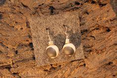 Hey, diesen tollen Etsy-Artikel fand ich bei https://www.etsy.com/de/listing/494812535/earrings-raku-ceramic-with-sterling